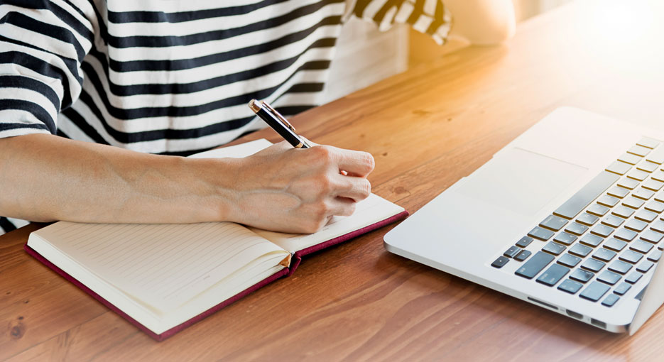 Things You Should Know Before Using an Essay Writing Service - Get Essay